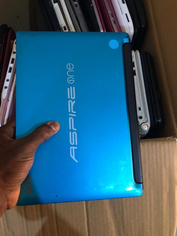 Acer aspire one D225